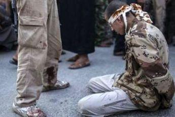 جریان تکفیری و سلفی بر روی حافظان کیان اسلام شمشیر کشیده اند