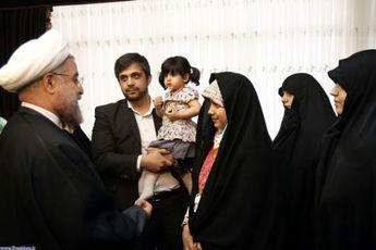 دیدار رییس جمهور با خانواده شهیدان حسین جانی و جانباز محمدی