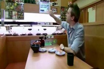 عجیب ترین راه سفارش غذا در این رستوران