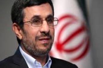 احمدی نژاد پیروزی تیم ملی کشتی آزاد را تبریک گفت