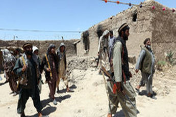 100 نظامی افغانستانی به طالبان پیوستند