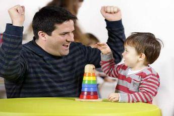 پدر نقش کمتری در تربیت فرزند دارد