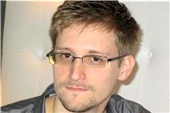 دیدار اسنودن با گروه های حقوق بشری در فرودگاه مسکو