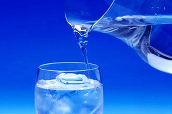 نوشیدن آب سرد برای کبد زیانآور است