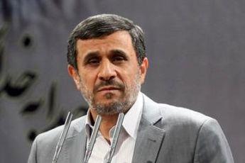 احمدی نژاد درگذشت پدر ۳ شهید را تسلیت گفت