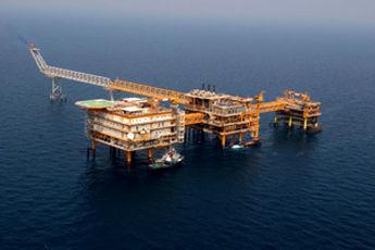 رکورد شکنی قیمت نفت در آستانه تحریم ایران