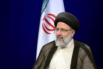 نامههای رهبری جرقههای ضدیت با ظلم را در دنیا زده است