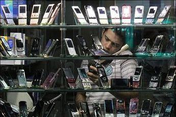 دلایل ارزان نشدن تلفن همراه