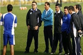 هوادار استقلالی: کاش من در زمین فوتبال بازی می کردم