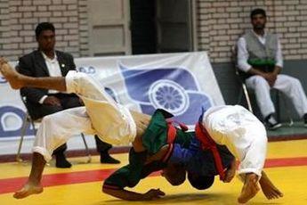 رقابت های انتخابی تیم ملی کشتی با کمربند آلیش برگزار می شود