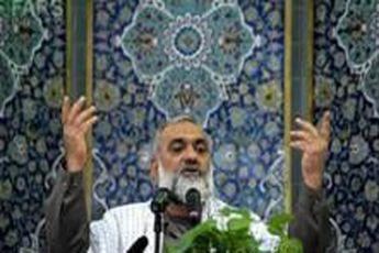 اسلام منهای استکبارستیزی «اسلام آمریکایی» است / هر موضعی را باید با قرآن سنجید