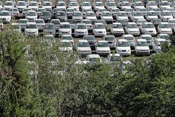راه رانت باز شد / بازار خودرو بر سر مشتریان خراب شد
