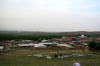 روستایی بدون بیکاری، طلاق و دخانیات