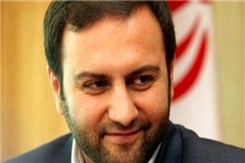 وزیر خندان در صف تحریم
