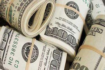 دلار همچنان مرزها را در می نوردد